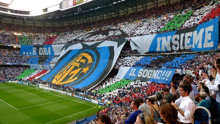 Barcelona följer Inter-försvararen